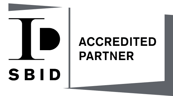 AccreditedPartner_Land_Logos_white